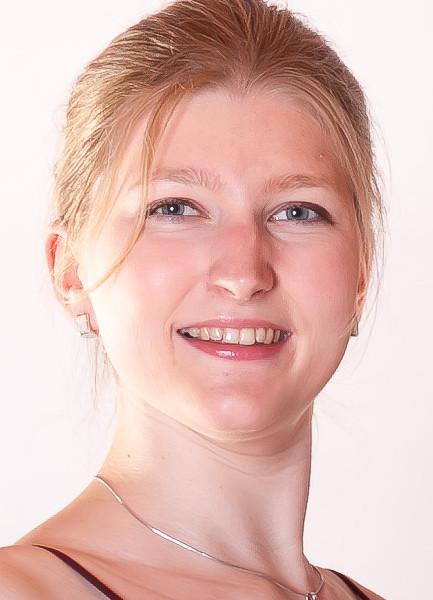 Nina Höll